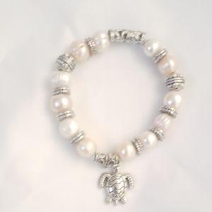 Hawaiian Pearl Turtle Bracelet